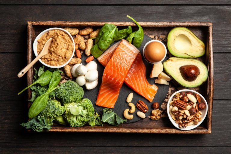 3 diferencias entre las dietas bajas en carbohidratos y cetogénicas